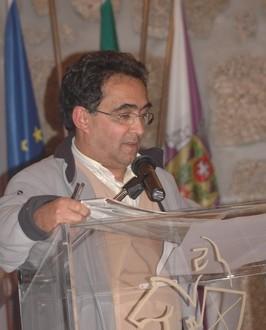 Quebrou-se aqui uma regra democrática introduzida por António Lopes