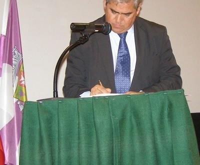Tribunal recusa providência cautelar a António Lopes por insuficiência do pedido e remete decisão para uma eventual acção principal.