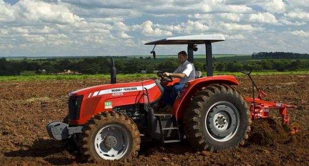 Homem residente Tábua morre em acidente de Tractor