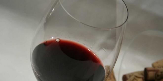 Nelas dá a provar vinho do Dão das décadas de 60 a 90