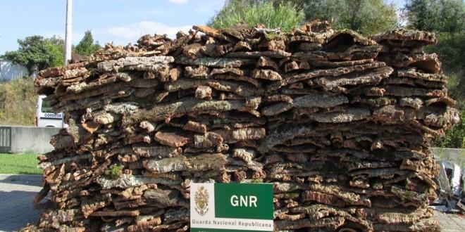 GNR efectua detenção por furto e apreende cortiça
