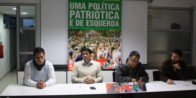 Eurodeputado do PCP Miguel Viegas visitou Oliveira do Hospital e prometeu confrontar partidos com as políticas de deslocação de serviços