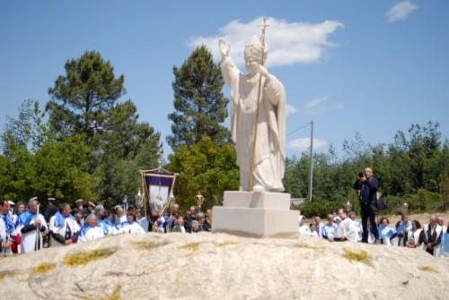 estátua João Paulo II